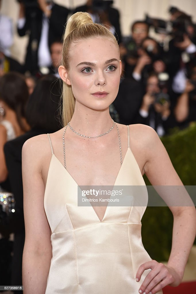 Elle Fannning attends the 'Manus x Machina: Fashion In An Age Of Technology' Costume Institute Gala at Metropolitan Museum of Art on May 2, 2016 in New York City.