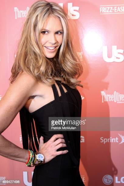 Elle Mcpherson attends US WEEKLY Is Celebrating 25 Most Stylish New Yorkers 2009 at Avenue on September 16 in New York City