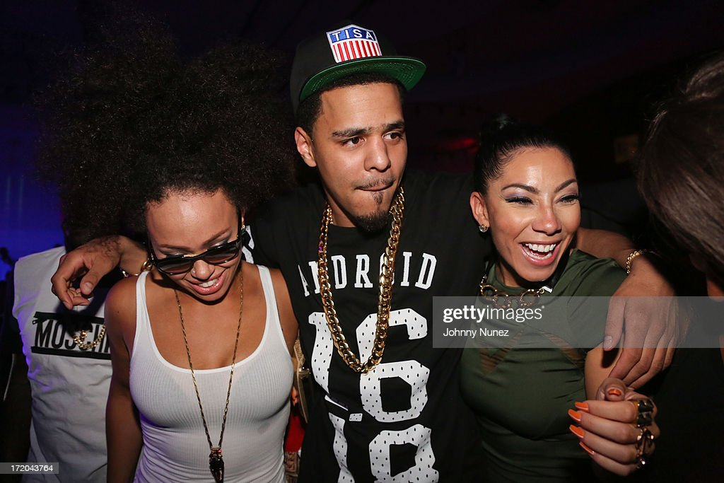 <a gi-track='captionPersonalityLinkClicked' href=/galleries/search?phrase=Elle+Varner&family=editorial&specificpeople=5926946 ng-click='$event.stopPropagation()'>Elle Varner</a>, <a gi-track='captionPersonalityLinkClicked' href=/galleries/search?phrase=J.+Cole&family=editorial&specificpeople=5958978 ng-click='$event.stopPropagation()'>J. Cole</a> and Bridget Kelly attend BET Post Party at SupperClub Los Angeles on June 30, 2013 in Los Angeles, California.
