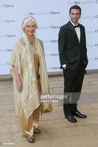 Ellen Burstyn arrives for the Metropolitan Opera's 20152016 season opening night performance of 'Otello' held at The Metropolitan Opera House on...