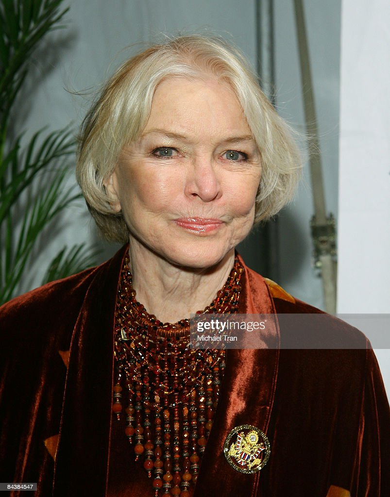 Ellen Burstyn arrives to the Creative Coalition's 2009 Inaugural Ball held at the Harman Center for the Arts on January 20 2009 in Washington DC