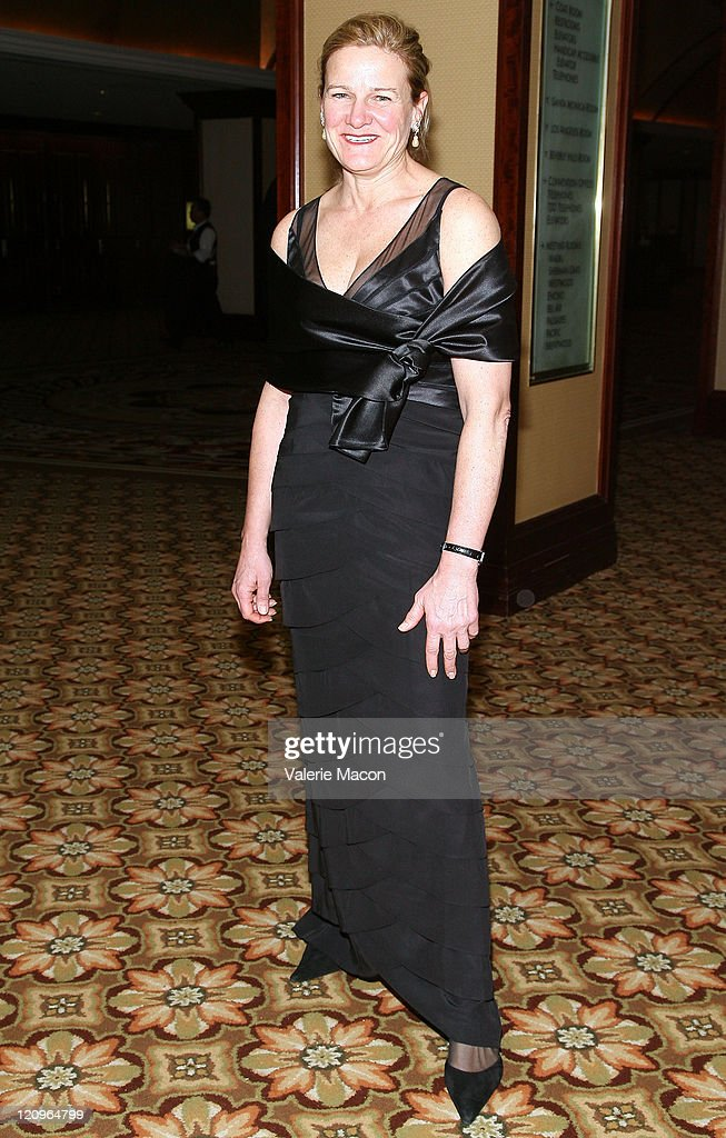 <a gi-track='captionPersonalityLinkClicked' href=/galleries/search?phrase=Ellen+Kuras&family=editorial&specificpeople=243051 ng-click='$event.stopPropagation()'>Ellen Kuras</a> arrives at the American Society of Cinematographers' 23rd Annual Achievement Awards at the Hyatt Regency Century Plaza Hotel on February 15, 2009 in Los Angeles, California.