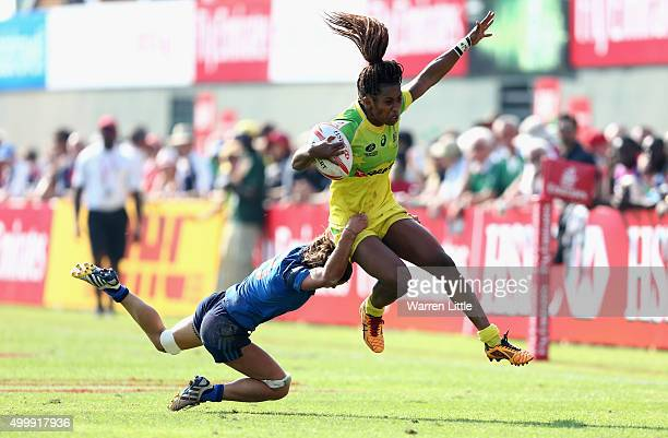 Ellia Green of Australia acores a try against France during the Emirates Dubai Rugby Sevens HSBC World Rugby Women's Sevens Series at The Sevens...