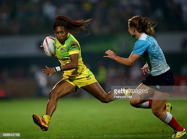 Ellia Green of Australia in action against Russia during the Emirates Dubai Rugby Sevens HSBC World Rugby Women's Sevens Series Cup Final on December...