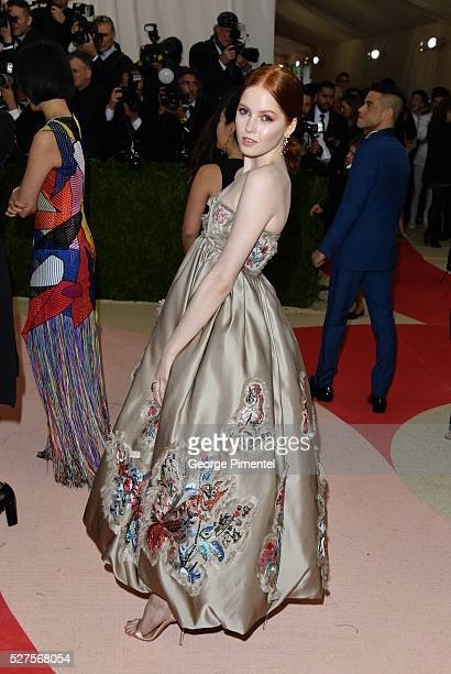 Ellie Bamber attends the 'Manus x Machina Fashion in an Age of Technology' Costume Institute Gala at the Metropolitan Museum of Art on May 2 2016 in...