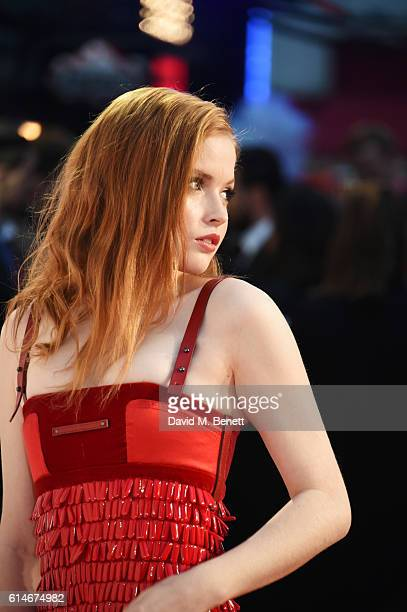 Ellie Bamber attends the 'Nocturnal Animals' Headline Gala screening during the 60th BFI London Film Festival at Odeon Leicester Square on October 14...