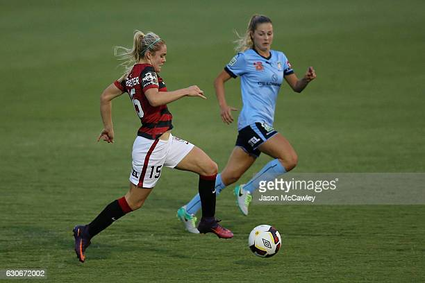 Ellie Carpenter of the Wanderers controls the ball during the round nine WLeague match between Western Sydney and Sydney at Popondetta Park on...