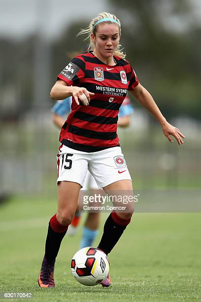 Ellie Carpenter of the Wanderers dribbles the ball during the round seven WLeague match between the Western Sydney Wanderers and Melbourne City FC at...