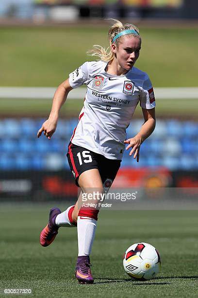 Ellie Carpenter of the Wanderers in action during the round eight WLeague match between Newcastle and Western Sydney at McDonald Jones Stadium on...