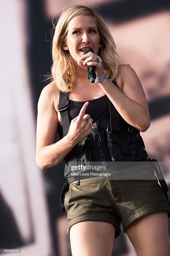 <a gi-track='captionPersonalityLinkClicked' href=/galleries/search?phrase=Ellie+Goulding&family=editorial&specificpeople=6389309 ng-click='$event.stopPropagation()'>Ellie Goulding</a> perfoms at Powderham Castle on May 29, 2016 in Exeter, England.