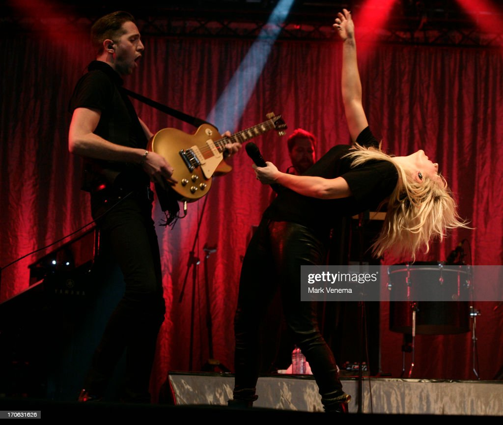 <a gi-track='captionPersonalityLinkClicked' href=/galleries/search?phrase=Ellie+Goulding&family=editorial&specificpeople=6389309 ng-click='$event.stopPropagation()'>Ellie Goulding</a> performs at Day 2 of Pinkpop at Megaland on June 15, 2013 in Landgraaf, Netherlands.