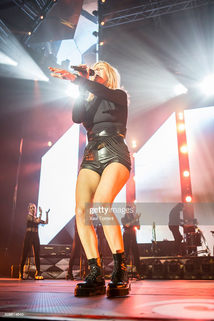 <a gi-track='captionPersonalityLinkClicked' href=/galleries/search?phrase=Ellie+Goulding&family=editorial&specificpeople=6389309 ng-click='$event.stopPropagation()'>Ellie Goulding</a> performs in concert at Sant Jordi Club on February 5, 2016 in Barcelona, Spain.