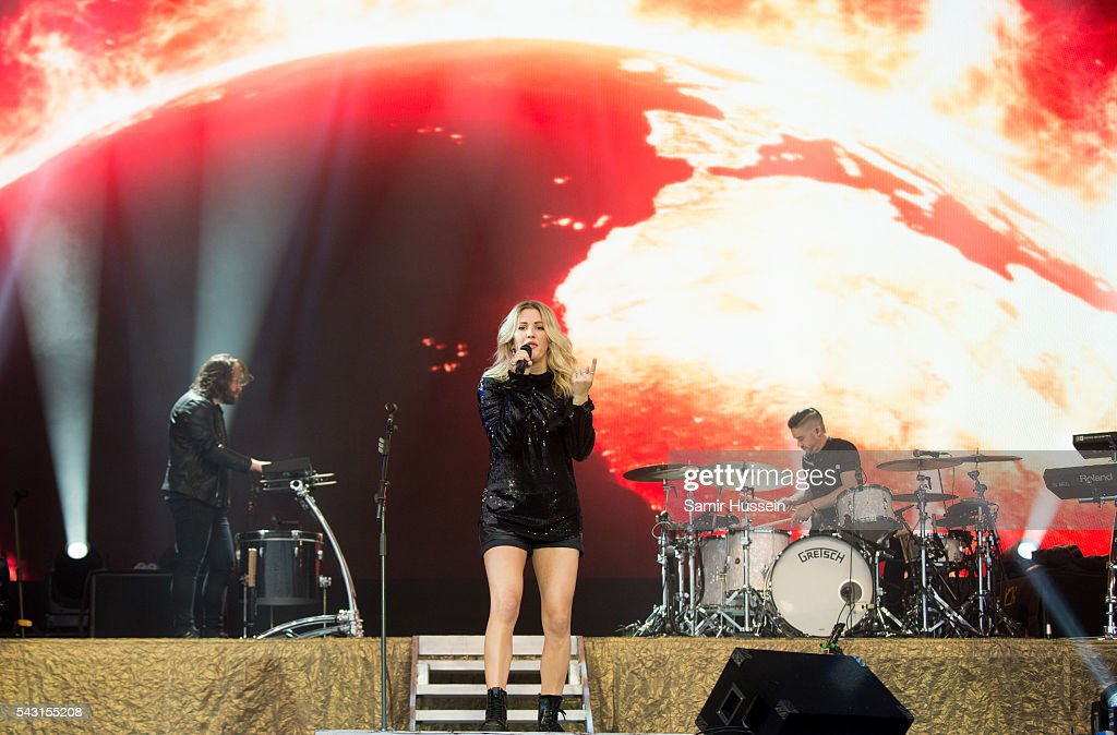 <a gi-track='captionPersonalityLinkClicked' href=/galleries/search?phrase=Ellie+Goulding&family=editorial&specificpeople=6389309 ng-click='$event.stopPropagation()'>Ellie Goulding</a> performs on the Pyramid Stage at Glastonbury Festival 2016 at Worthy Farm, Pilton on June 26, 2016 in Glastonbury, England.