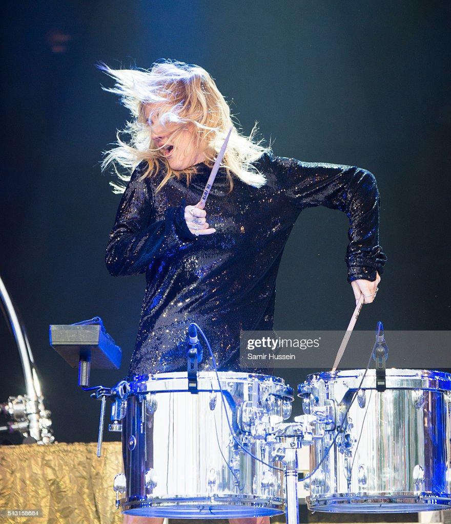Ellie Goulding performs on the Pyramid Stage at Glastonbury Festival 2016 at Worthy Farm, Pilton on June 26, 2016 in Glastonbury, England.