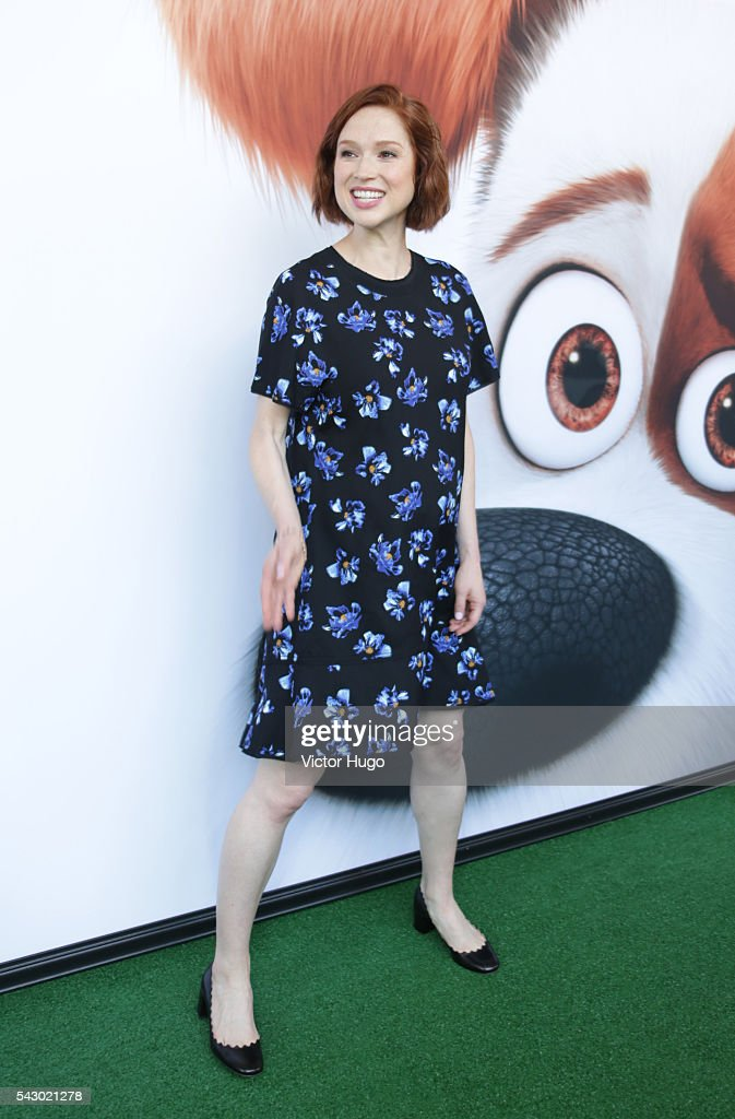 Ellie Kemper attends Universal Pictures and Illumination Entertainment Present the Premiere of THE SECRET LIFE OF PETS at David H. Koch Theater, Lincoln Center on June 25, 2016 in New York City.