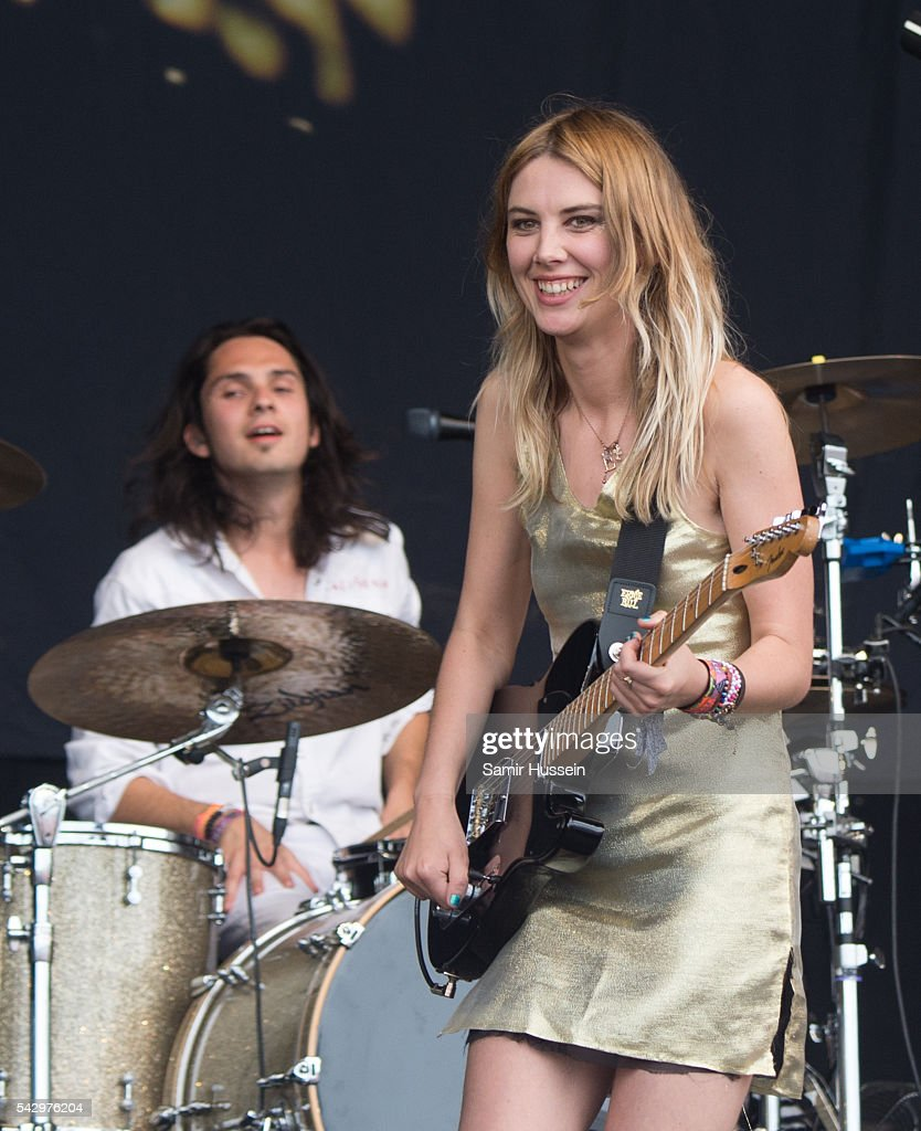 Ellie Rowsell and Joel Amey of Wolf Alice perform on the Pyramid Stage at Glastonbury Festival 2016 at Worthy Farm, Pilton on June 25, 2016 in Glastonbury, England.