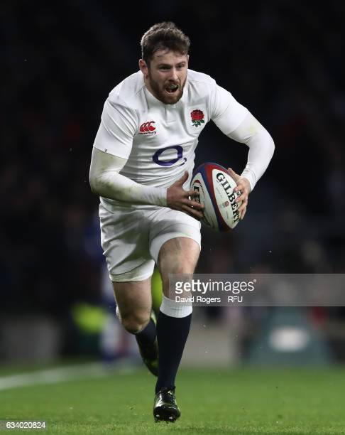 Elliot Daly of England runs with the ball during the RBS Six Nations match between England and France at Twickenham Stadium on February 4 2017 in...
