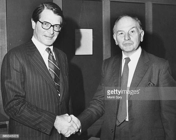 Elliot Richardson retiring US Ambassador to Britain shaking hands with Sir Reg Goodwin the Leader of the Greater London Council at the County Hall in...