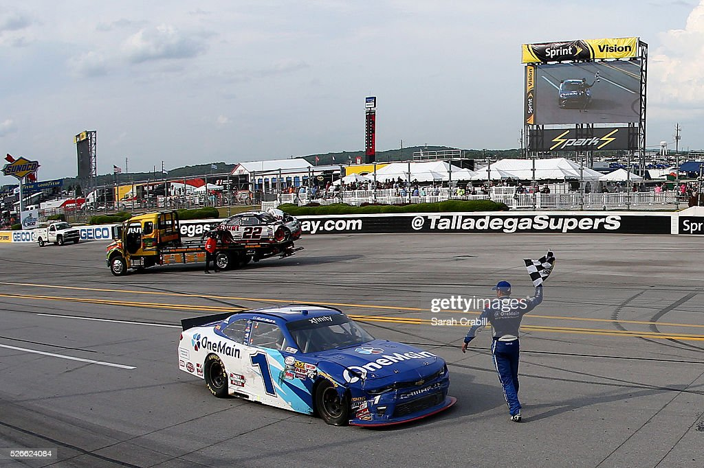 <a gi-track='captionPersonalityLinkClicked' href=/galleries/search?phrase=Elliott+Sadler&family=editorial&specificpeople=204623 ng-click='$event.stopPropagation()'>Elliott Sadler</a>, driver of the #1 OneMain Chevrolet, celebrates winning the NASCAR XFINITY Series Sparks Energy 300 at Talladega Superspeedway on April 30, 2016 in Talladega, Alabama.