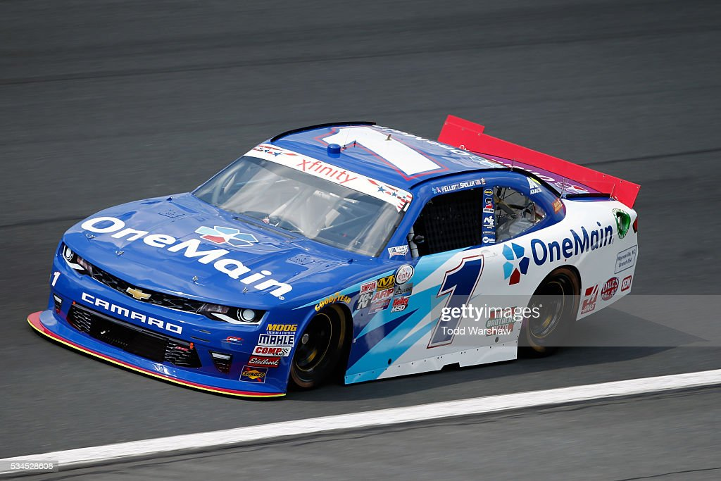 <a gi-track='captionPersonalityLinkClicked' href=/galleries/search?phrase=Elliott+Sadler&family=editorial&specificpeople=204623 ng-click='$event.stopPropagation()'>Elliott Sadler</a>, driver of the #1 OneMain Chevrolet, drives during practice for the NASCAR XFINITY Series Hisense 4K TV 300 at Charlotte Motor Speedway on May 27, 2016 in Charlotte, North Carolina.