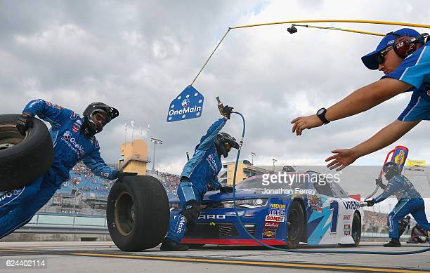 Elliott Sadler driver of the OneMain Chevrolet pits during the NASCAR XFINITY Series Ford EcoBoost 300 at HomesteadMiami Speedway on November 19 2016...