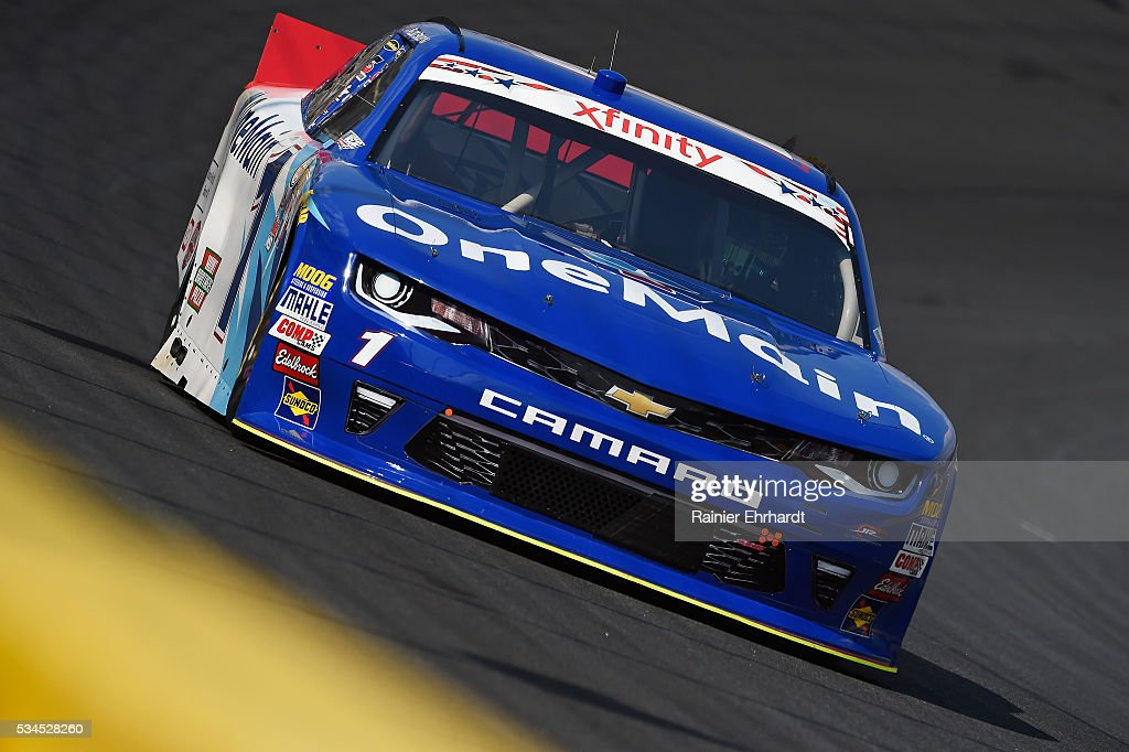 <a gi-track='captionPersonalityLinkClicked' href=/galleries/search?phrase=Elliott+Sadler&family=editorial&specificpeople=204623 ng-click='$event.stopPropagation()'>Elliott Sadler</a>, driver of the #1 OneMain Chevrolet, practices for the NASCAR XFINITY Series Hisense 4K TV 300 at Charlotte Motor Speedway on May 27, 2016 in Charlotte, North Carolina.