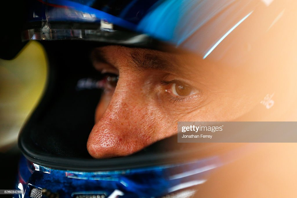 <a gi-track='captionPersonalityLinkClicked' href=/galleries/search?phrase=Elliott+Sadler&family=editorial&specificpeople=204623 ng-click='$event.stopPropagation()'>Elliott Sadler</a>, driver of the #1 OneMain Chevrolet, sits in his car during practice for the NASCAR XFINITY Series Sparks Energy 300 at Talladega Superspeedway on April 29, 2016 in Talladega, Alabama.