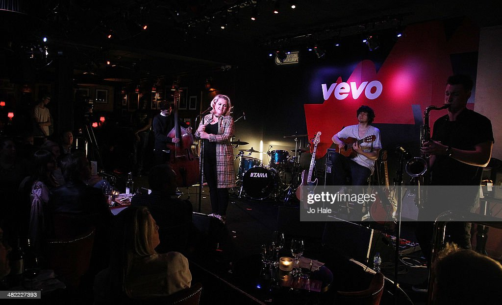 Elly Ingram performs on stage at the Vevo Emerging Artists Showcase for Advertising Week Europe at Ronnie Scotts on April 2, 2014 in London, England.