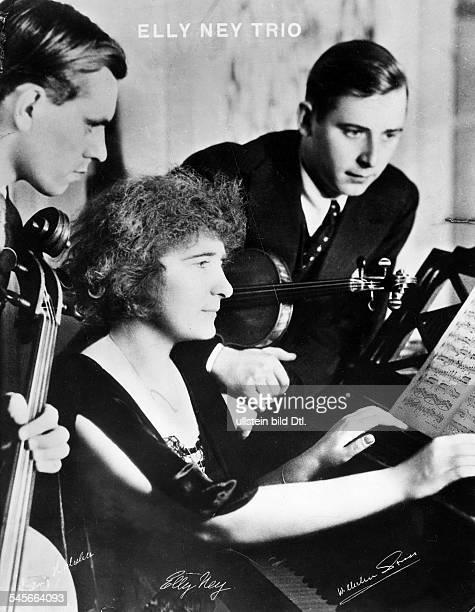 Elly Ney *27091882Musikerin Pianistin DDas EllyNeyTrio vl Ludwig Hielscher Elly Ney und Wilhelm Strass 1934