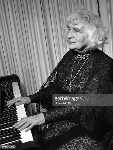 Elly Ney *27091882Musikerin Pianistin Dum 1958