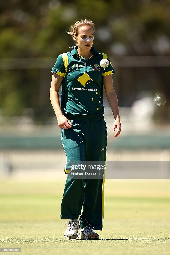 Ellyse Perry of Australia prepares to bowl during the Women's International Twenty20 match between the Australian Southern Stars and New Zealand at Junction Oval on January 22, 2013 in Melbourne, Australia.