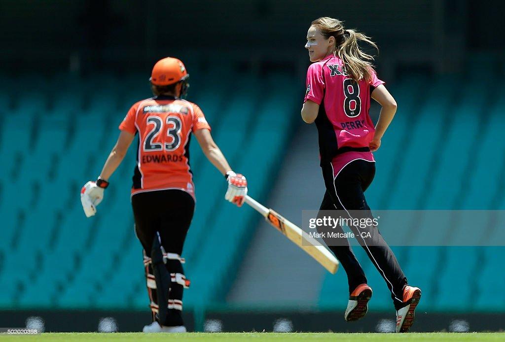 Women's Big Bash League - Sydney Sixers v Perth Scorchers
