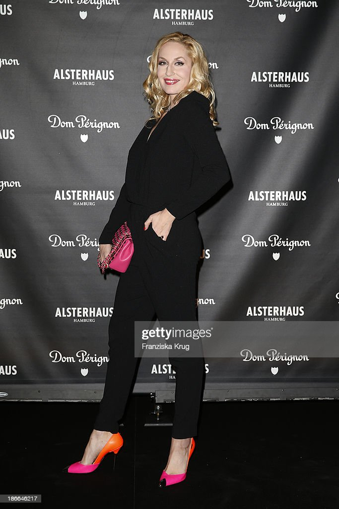Elna-Marget zu Bentheim attends the Dom Perignon Balloon Venus by Jeff Koons at Alsterhaus on November 02, 2013 in Hamburg, Germany.