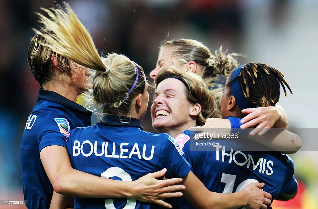 <a gi-track='captionPersonalityLinkClicked' href=/galleries/search?phrase=Elodie+Thomis&family=editorial&specificpeople=813220 ng-click='$event.stopPropagation()'>Elodie Thomis</a> (R) of France celebrates with her team mates after scoring her team's fourth goal during the FIFA Women's World Cup 2011 Group A match between Canada and France at Rewirpower Stadium on June 30, 2011 in Bochum, Germany.