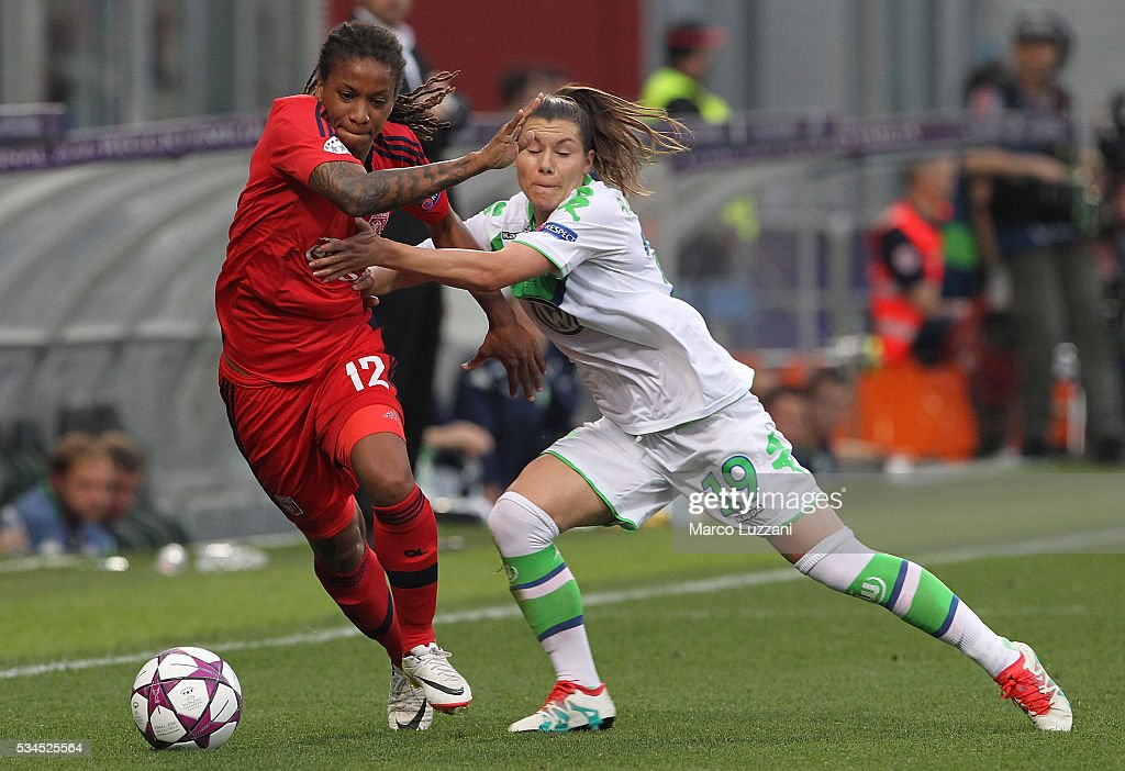 Elodie Thomis of Olympique Lyonnais competes for the ball with <a gi-track='captionPersonalityLinkClicked' href=/galleries/search?phrase=Ramona+Bachmann&family=editorial&specificpeople=599545 ng-click='$event.stopPropagation()'>Ramona Bachmann</a> of VfL Wolfsburg during the UEFA Women's Champions League Final VfL Wolfsburg and Olympique Lyonnais between at Mapei Stadium - Citta' del Tricolore on May 26, 2016 in Reggio nell'Emilia, Italy.