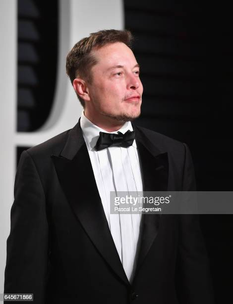 Elon Musk attends the 2017 Vanity Fair Oscar Party hosted by Graydon Carter at Wallis Annenberg Center for the Performing Arts on February 26 2017 in...