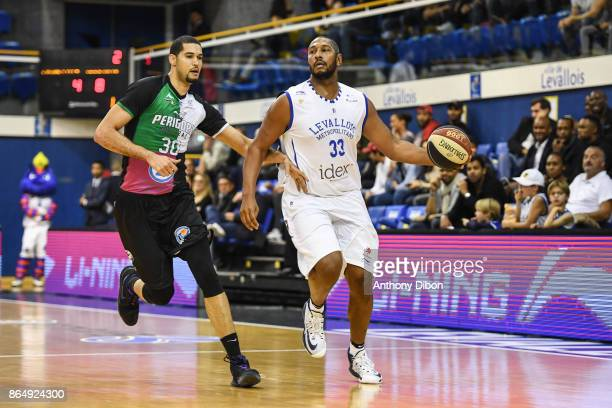Eloy Vargas of Boulazac and Boris Diaw of Levallois during the Pro A match between Levallois Metropolitans and Boulazac at Salle Marcel Cerdan on...