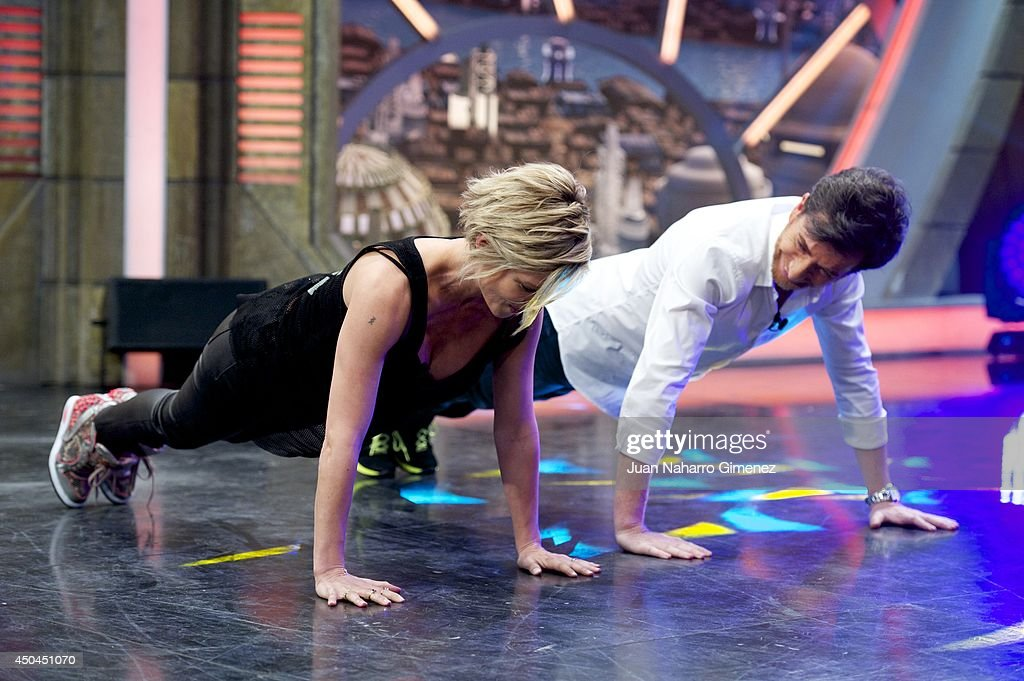 <a gi-track='captionPersonalityLinkClicked' href=/galleries/search?phrase=Elsa+Pataky&family=editorial&specificpeople=242789 ng-click='$event.stopPropagation()'>Elsa Pataky</a> (L) and <a gi-track='captionPersonalityLinkClicked' href=/galleries/search?phrase=Pablo+Motos&family=editorial&specificpeople=6560001 ng-click='$event.stopPropagation()'>Pablo Motos</a> attend 'El Hormiguero' Tv show at Vertice Studio on June 11, 2014 in Madrid, Spain.