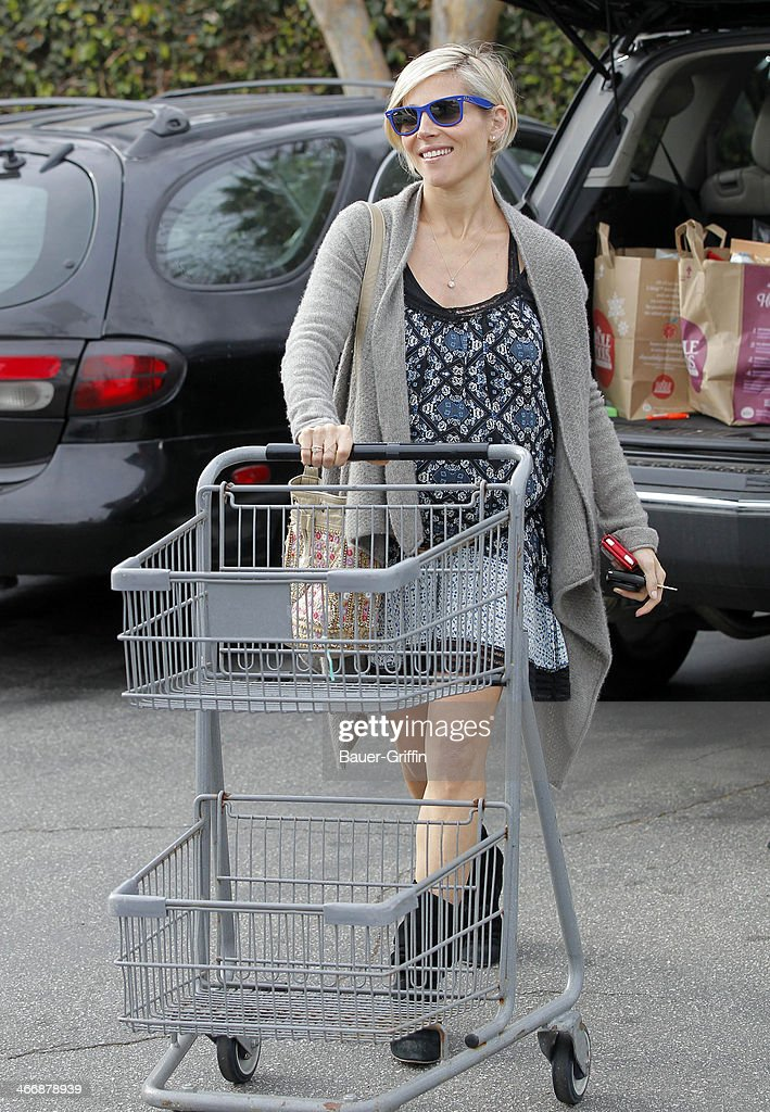 <a gi-track='captionPersonalityLinkClicked' href=/galleries/search?phrase=Elsa+Pataky&family=editorial&specificpeople=242789 ng-click='$event.stopPropagation()'>Elsa Pataky</a> is seen at Whole Foods Market on February 04, 2014 in Los Angeles, California.