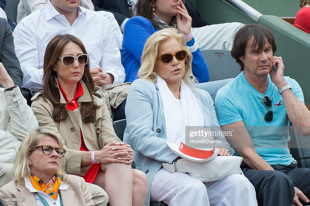 Elsa Zylberstein and Sylvie Vartan attend the Roland Garros French Tennis Open 2014 - Day 8 at Roland Garros on June 1, 2014 in Paris, France.