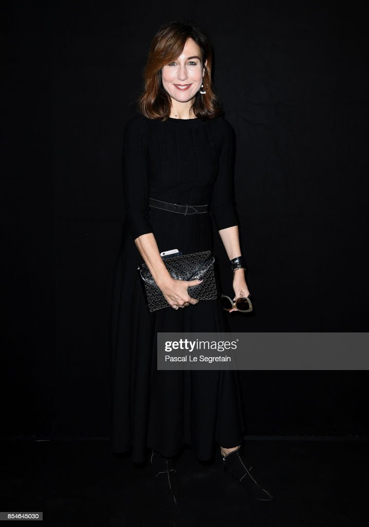 Elsa Zylberstein attends the Lanvin show as part of the Paris Fashion Week Womenswear Spring/Summer 2018 on September 27, 2017 in Paris, France.