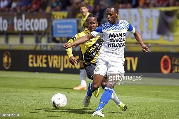 Elson Hooi of NAC Breda Romeo Castelen of RKC Waalwijk during the Dutch Eredivisie match between NAC Breda and RKC Waalwijk at Rat Verlegh stadium on...