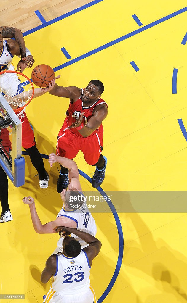 <a gi-track='captionPersonalityLinkClicked' href=/galleries/search?phrase=Elton+Brand&family=editorial&specificpeople=201501 ng-click='$event.stopPropagation()'>Elton Brand</a> #42 of the Atlanta Hawks grabs the rebound against the Golden State Warriors on March 7, 2014 at Oracle Arena in Oakland, California.