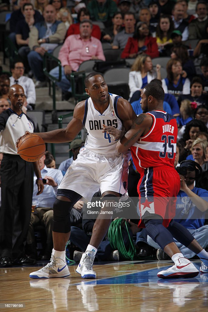 Elton Brand #42 of the Dallas Mavericks drives to the basket against the Washington Wizards on November 14, 2012 at the American Airlines Center in Dallas, Texas.