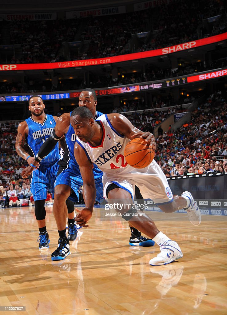<a gi-track='captionPersonalityLinkClicked' href=/galleries/search?phrase=Elton+Brand&family=editorial&specificpeople=201501 ng-click='$event.stopPropagation()'>Elton Brand</a> #42 of the Philadelphia 76ers drives to the basket against <a gi-track='captionPersonalityLinkClicked' href=/galleries/search?phrase=Dwight+Howard&family=editorial&specificpeople=201570 ng-click='$event.stopPropagation()'>Dwight Howard</a> #12 of the Orlando Magic on April 11, 2011 at the Wells Fargo Center in Philadelphia, Pennsylvania.