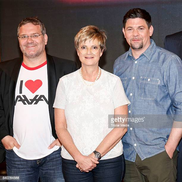 Elton Gloria von Thurn und Taxis and Tim Maelzer attend 'Wer weiss denn sowas' TV Show Photo Call on June 14 2016 in Hamburg Germany