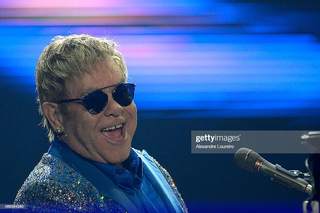 <a gi-track='captionPersonalityLinkClicked' href=/galleries/search?phrase=Elton+John&family=editorial&specificpeople=171369 ng-click='$event.stopPropagation()'>Elton John</a> performs at 2015 Rock in Rio on September 20, 2015 in Rio de Janeiro, Brazil.