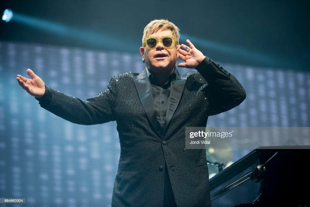 Elton John performs on stage at Palau Sant Jordi on December 3, 2017 in Barcelona, Spain.