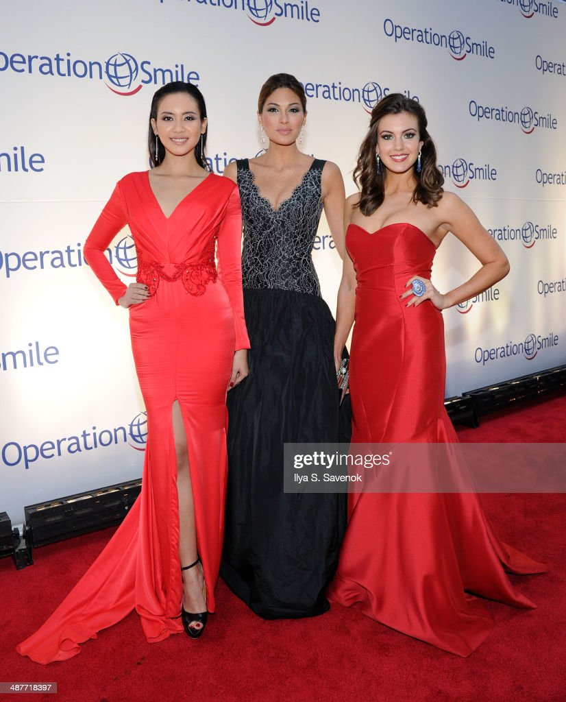 Elvira Devinamira, Gabriela Isler and <a gi-track='captionPersonalityLinkClicked' href=/galleries/search?phrase=Erin+Brady+-+Miss+USA+2013&family=editorial&specificpeople=11009508 ng-click='$event.stopPropagation()'>Erin Brady</a> attend Operation Smile's Smile Event at Cipriani Wall Street on May 1, 2014 in New York City.