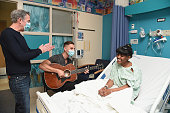 Elvis Duran and musician Nick Fradiani team up with Musicians on Call to help deliver the healing power of music to patients at Children's Hospital...